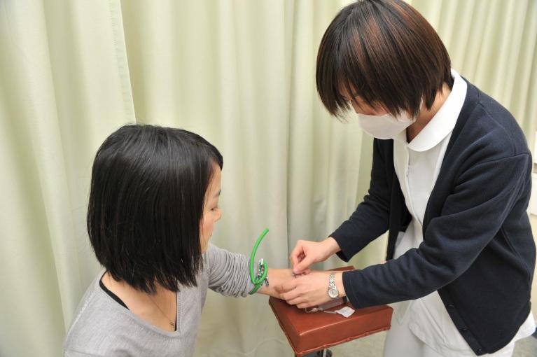 カウンセリングのもと最適な注射を投与します。